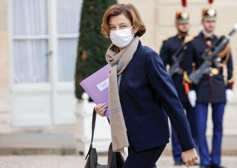 """La France va """"très probablement"""" réduire les effectifs de sa force Barkhane"""