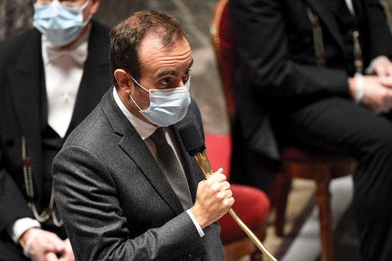 """Calédonie: Lecornu propose """"une implication plus forte de l'Etat"""" dans la reprise de l'usine Vale"""