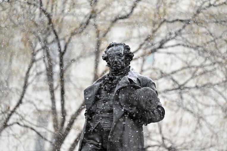"""Espagne: un froid """"historique"""" après la tempête de neige"""