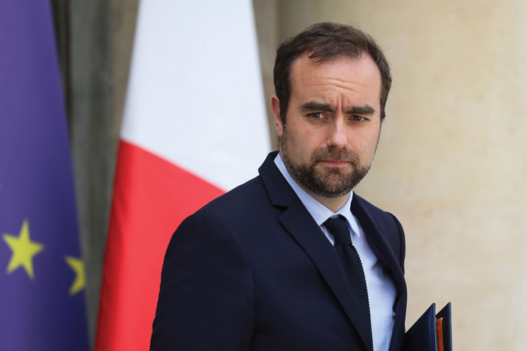 """Enquête ouverte pour """"prise illégale d'intérêts"""" visant le ministre Sébastien Lecornu"""