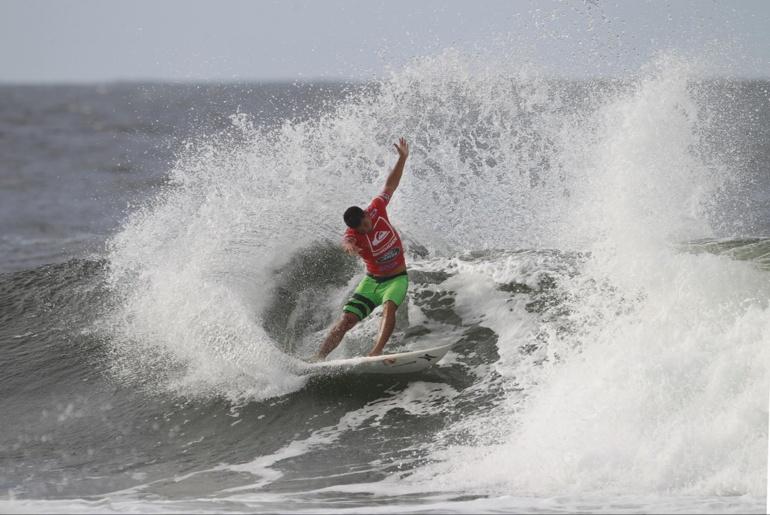 Surf: Michel Bourez est en quart de finale du Quik Pro Gold Coast !