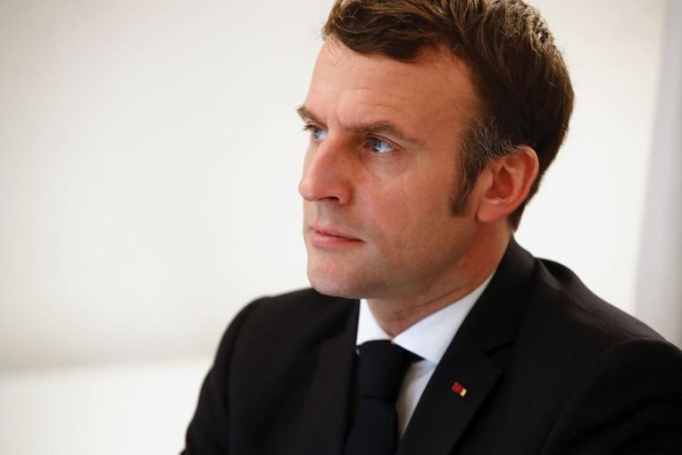 Covid-19: Emmanuel Macron au chevet des étudiants