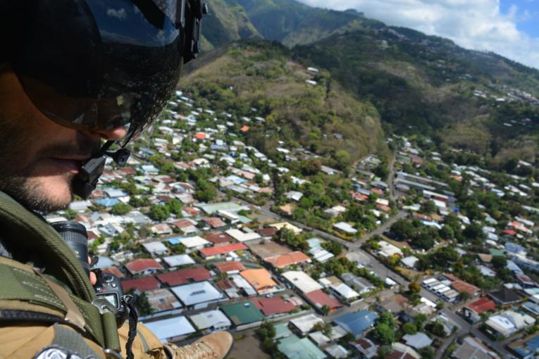 Survol des secteurs à risque sur Tahiti et Moorea