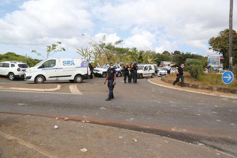 Mayotte: Trois personnes tuées et des habitations détruites