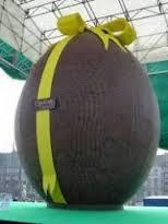 Un oeuf en chocolat argentin de 6 mètres de haut vise le Livre des records