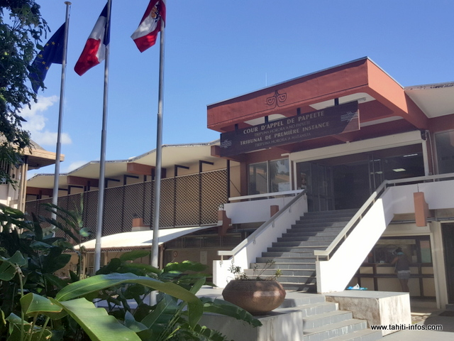 Bébé soigné au ra'au Tahiti : la famille jugée pour homicide involontaire