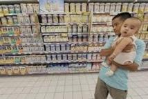 Scandale autour d'un lait en poudre importé de Suisse et falsifié en Chine