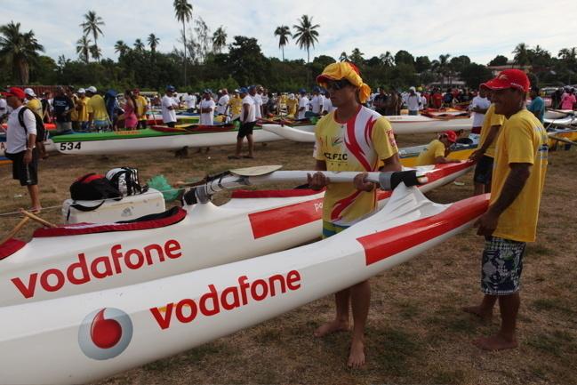 Shell Va'a aux couleurs de Vodafone