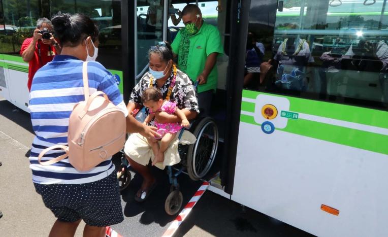 Quatre nouveaux bus électriques sur la ligne Tautira-Teahupoo