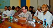 le groupe de contact du Forum et ses ministres de Tuvalu, de Papouasie-Nouvelle-Guinée, de Nouvelle-Zélande et de Vanuatu (crédit photo : ministère fidjien de l'information)