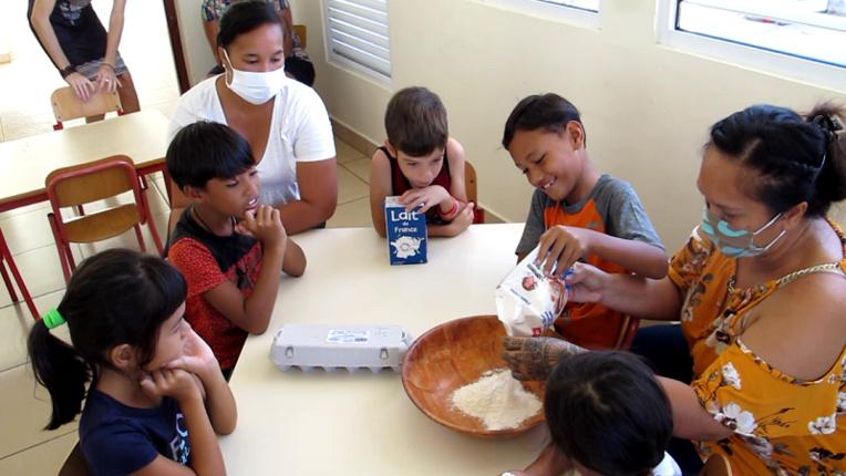 Une crêpe party à la Maison de l'enfance de Nuku Hiva