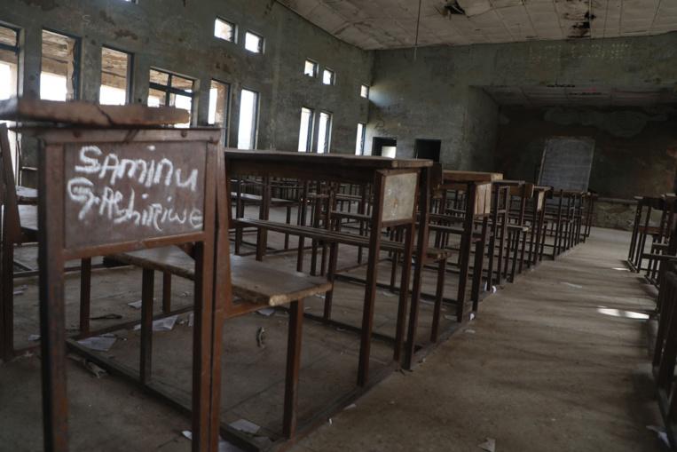 Kidnapping au Nigeria: 317 élèves enlevées, des recherches en cours