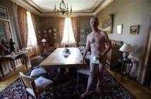 Doubs: un élu local pose nu pour se moquer de la publication du patrimoine des ministres