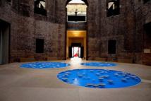 Installation « clinamen » par l'artiste français Céleste Boursier-Mougenot