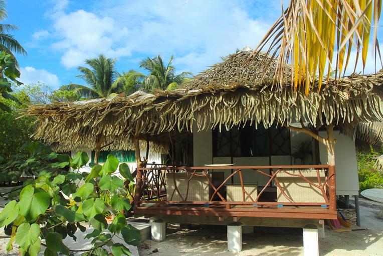 Les bungalows du Relais Royal Tikehau sont simples, mais confortables. Il y en a une dizaine, tous très prisés des touristes locaux.