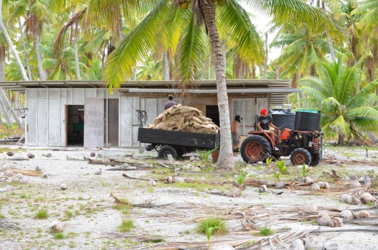 """Appropriation """"contestée"""" de sept atolls aux Tuamotu par le Camica"""