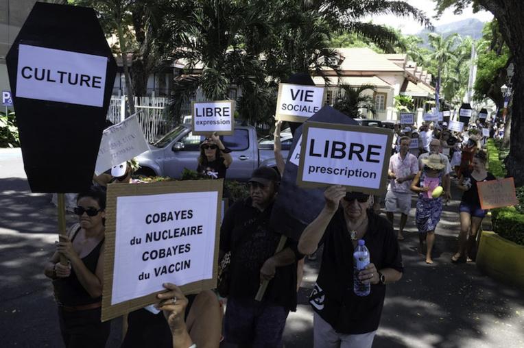 """Des manifestants à Papeete pour dénoncer une """"tyrannie sanitaire"""""""