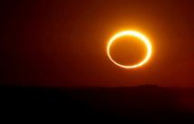 Un anneau de feu dans le ciel australien