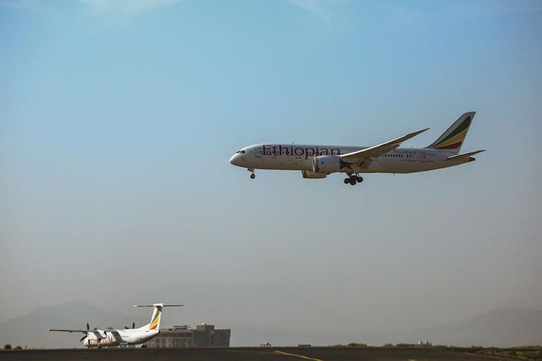Zambie: un avion d'Ethiopian Airlines atterrit par erreur sur un aéroport en construction