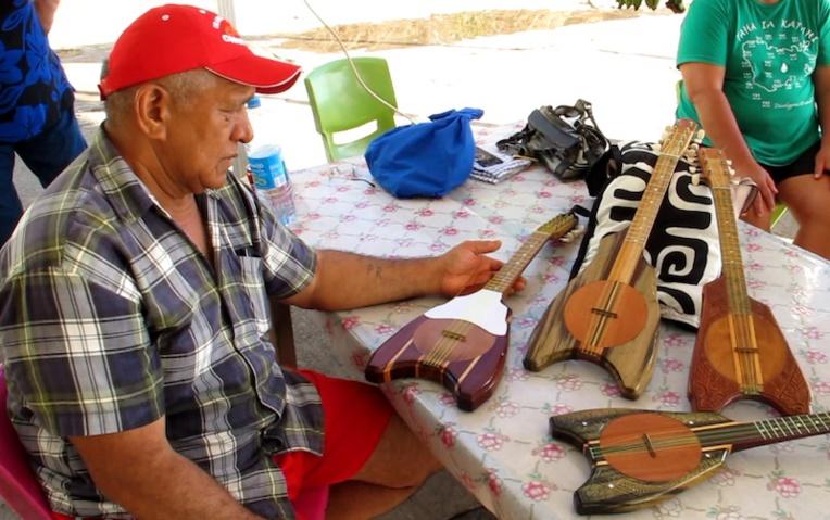 Pori sélectionne avec soin les essences de bois pour la fabrication de ses ukulele.