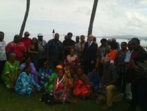 Le groupe des îles Loyauté en visite à Suva ; rencontre avec le personnel de l'ambassade de France
