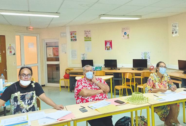 Le jury, composé (de gauche à droite) de Roannah Nou-Pivaii, Tafirai Tehihipo et Tamatea Puranga Terorotua.