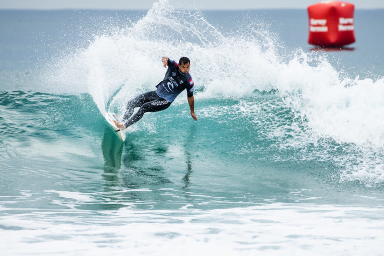 Michel Bourez n'a pas pu s'exprimer, samedi, sur le beach-break de Narrabeen, en Australie. (Photo : Dunbar/WSL)