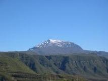 La Réunion : le Piton des neiges recouvert d'un manteau blanc givré