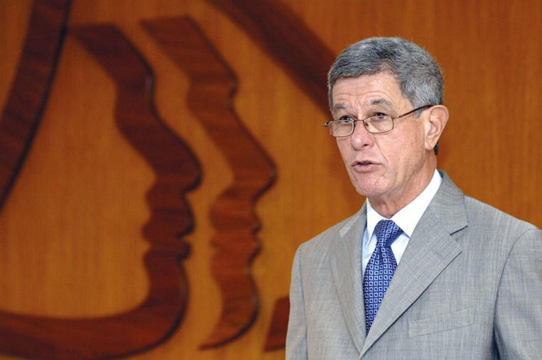 Référendum sur l'indépendance de la Nouvelle-Calédonie: Des sénateurs proposent des alternatives