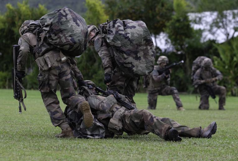 L'armée en démonstration à Tubuai