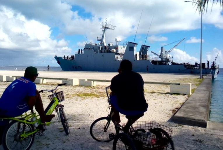 Opération séduction à Hao pour le patrouilleur Arago en campagne de recrutement. Des militaires de différents corps de l'armée ont passé trois jours sur l'atoll.