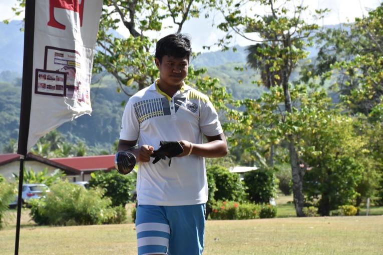 Tuaraina Tamata, la nouvelle sensation du golf polynésien, a signé au Classic Central sa deuxième victoire de la saison après son succès en février lors du tournoi de Atimaono.