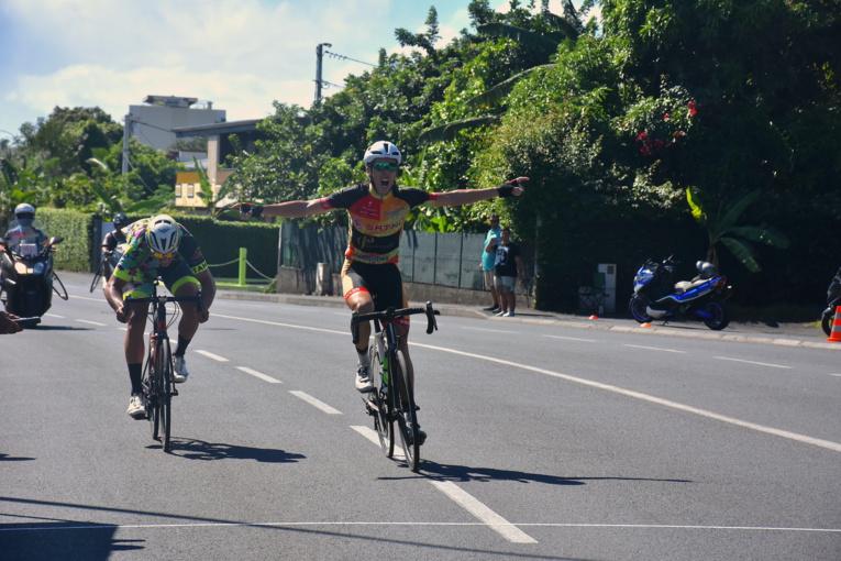 Devancé lors de la deuxième manche de la Coupe Tahiti Nui par Heiarii Manutahi, Eddy Le Roux a pris une petite revanche, dimanche.