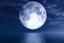 La « Super Lune » fait des siennes en Océanie