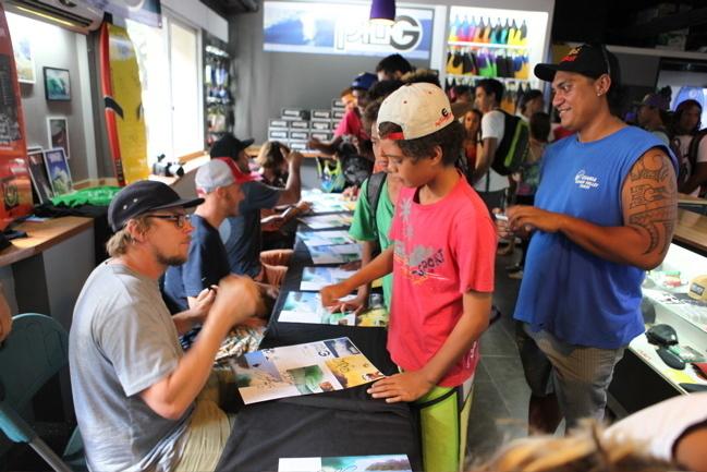 Bodyboard : Jake Stone et Jase Finley à Tahiti