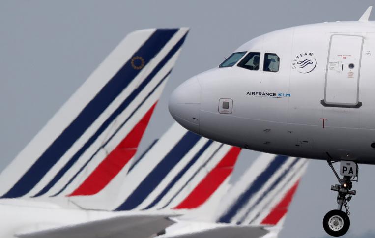 Air France allège ses appareils et ramasse les pehu