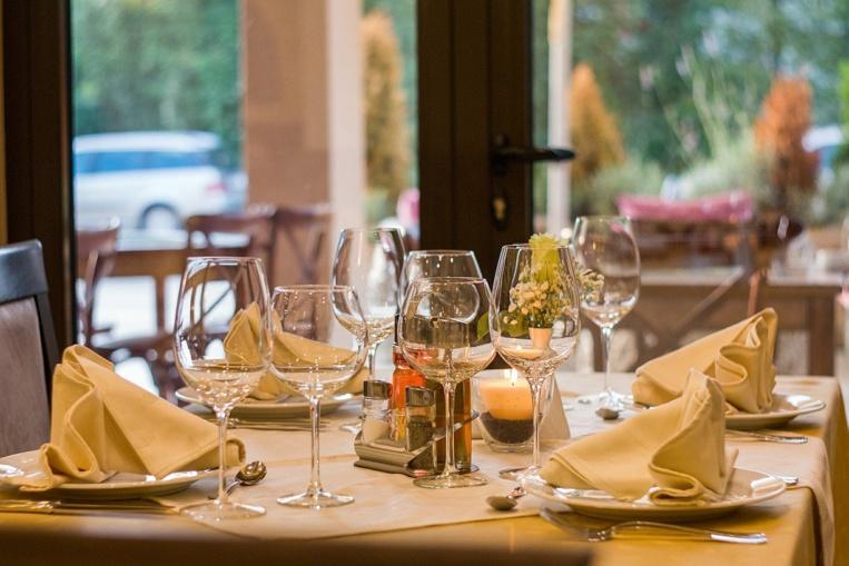 Restrictions sanitaires : Les capacités d'accueil font enrager les restaurateurs
