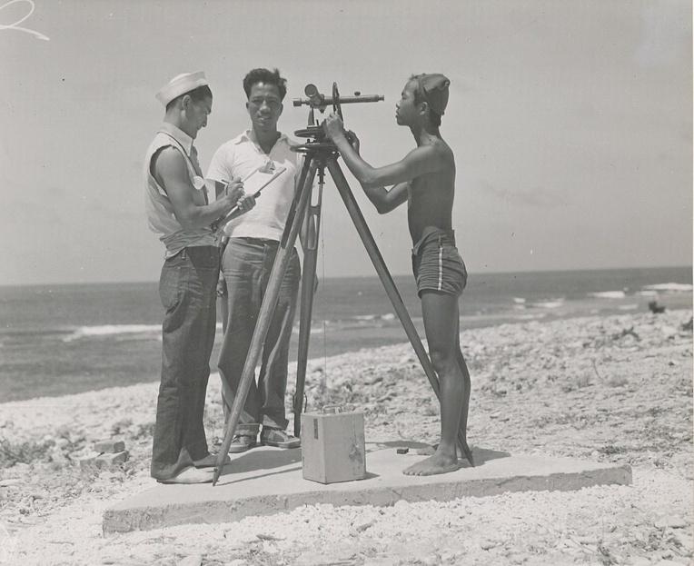 Officiellement, les jeunes Hui Panalā'au n'effectuaient que des taches civiles, mais leur présence, à partir de 1940, était en réalité voulue par l'armée qui disposait ainsi d'observateurs.