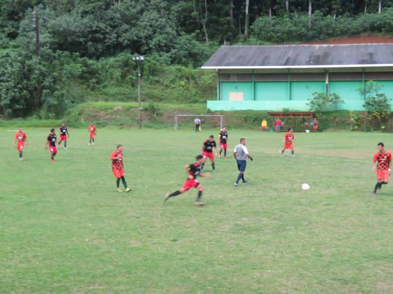 Les orange de Tiare Anani ont joué à dix dans la dernière demi-heure de jeu et ont pu compter sur Raiura Hanere, leur gardien, pour éviter de prendre l'eau.