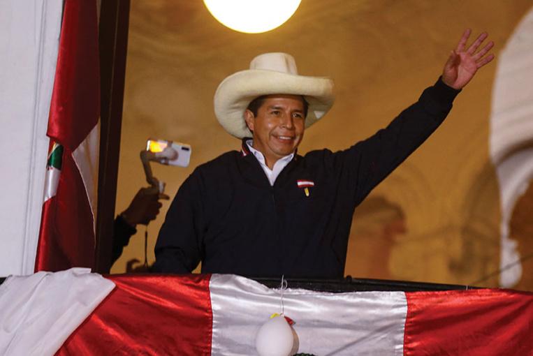 Présidentielle au Pérou: Castillo se dit vainqueur avant la proclamation officielle du résultat