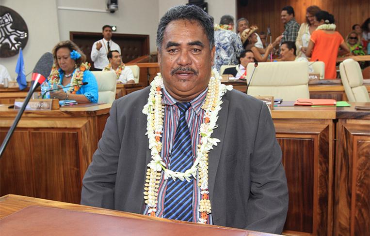L'ex représentant orange des Tuamotu-Ouest Bernard Natua est de retour au Tapura, après 10 mois aux côtés des A Here ia Porinetia à l'assemblée. (Photo : Nicolas Perez / Radio 1)