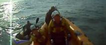GB : Un navigateur solitaire recueilli à bord d'un bateau de plage gonflable