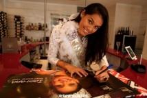 Miss Tahiti 2013 en dédicace au Vaima : Interview