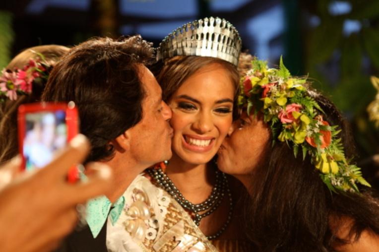 Hinarani De Longeaux, Miss Tahiti 2012