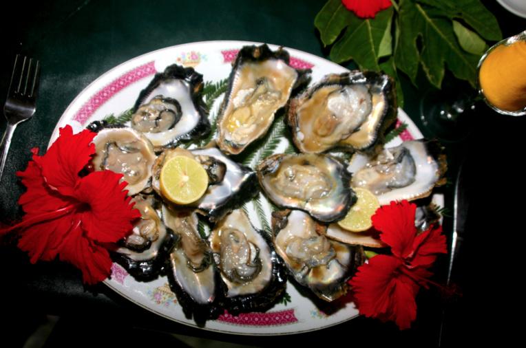 Originaires de Californie, ces huîtres à la chair goûteuse se sont parfaitement bien adaptées aux eaux de l'île de Santo. On en élève aujourd'hui de manière plus professionnelle en Nouvelle-Calédonie.