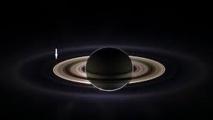 La Nasa diffuse une nouvelle photo spectaculaire de Saturne et de la Terre