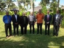 Relations franco-vanuatuanes : entretiens à Port-Vila