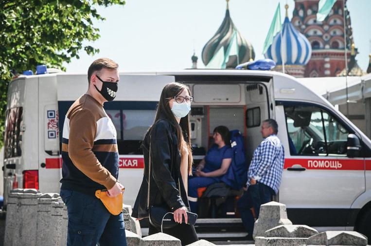 Covid: Moscou introduit un pass sanitaire obligatoire pour aller au restaurant