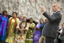 En Nouvelle-Calédonie, Ayrault promet un Etat attentif et respectueux des choix
