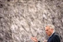 "A Nouméa, Ayrault salue la ""richesse"" et la ""force"" de la culture kanak"